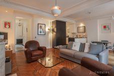 Apartamento em Paris - Canal St Martin Style