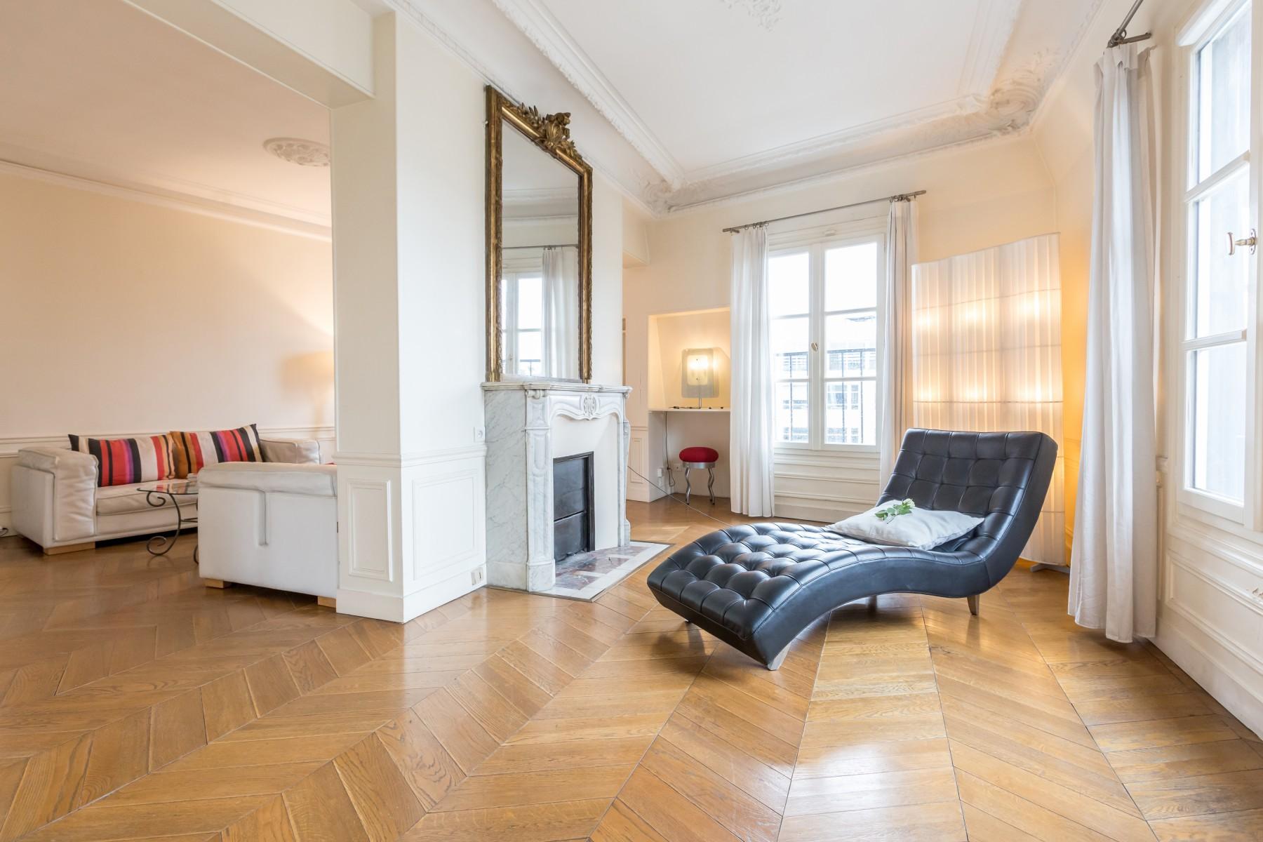 appartements a paris montorgueil bourse duplex 3. Black Bedroom Furniture Sets. Home Design Ideas